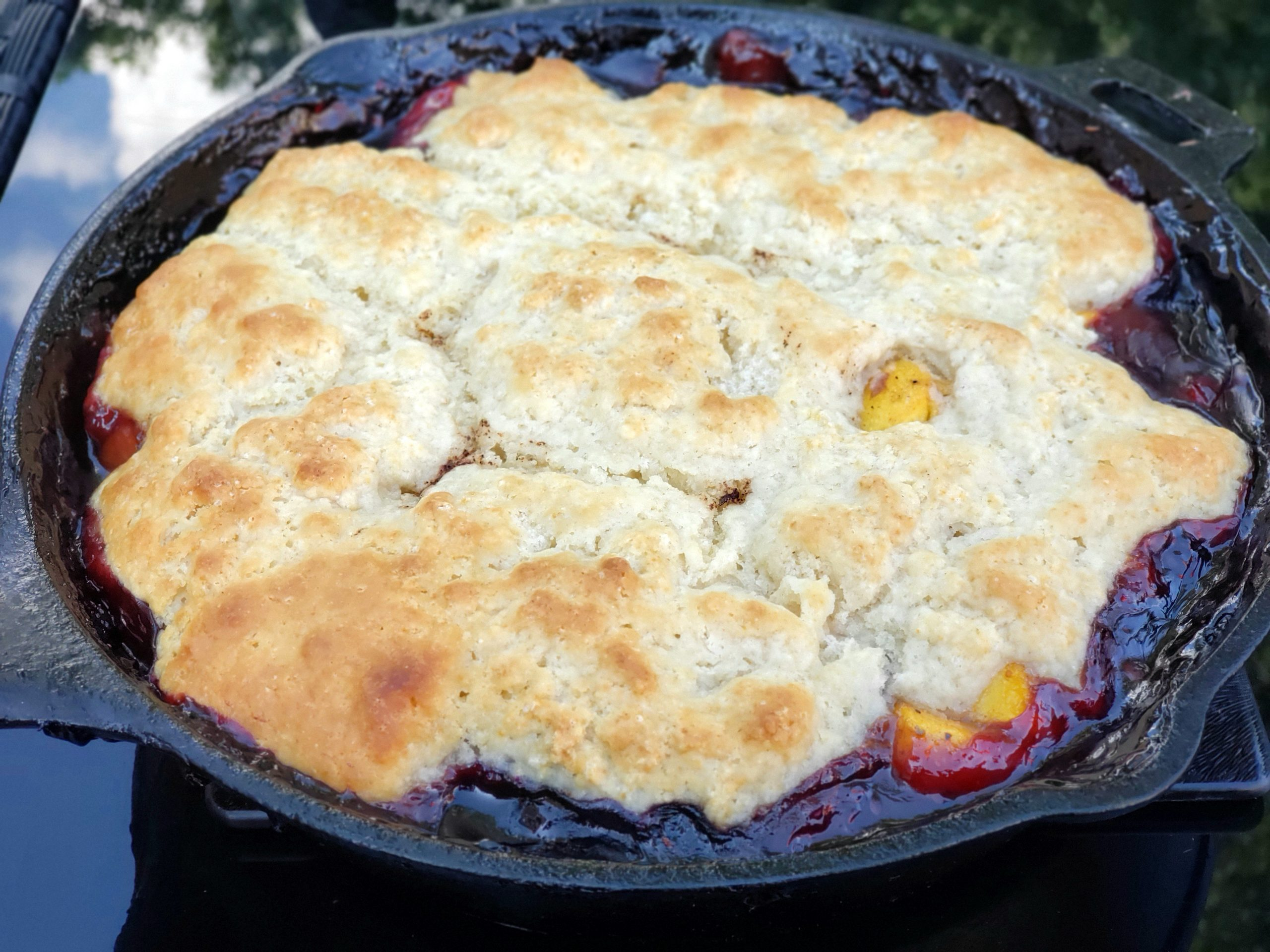 SWEEETHEAT Peach and Berry Cobbler